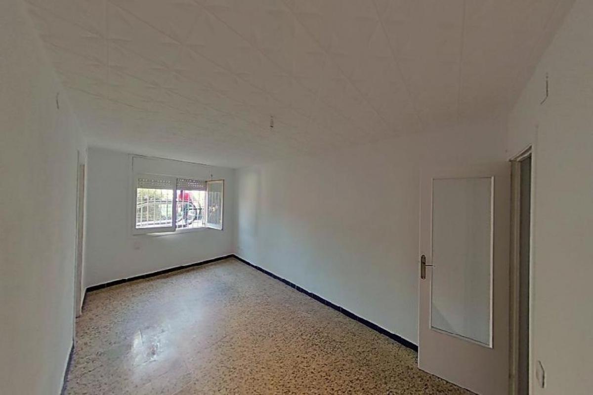 Piso en venta en Santa Coloma de Gramenet, Barcelona, Calle Florencia, 214.000 €, 4 habitaciones, 1 baño, 99 m2