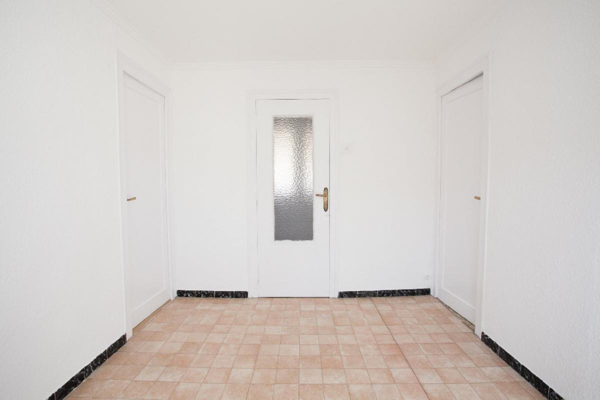 Piso en venta en Zaragoza, Zaragoza, Calle Grupo Andrea Casamayor, 59.000 €, 3 habitaciones, 1 baño, 57 m2