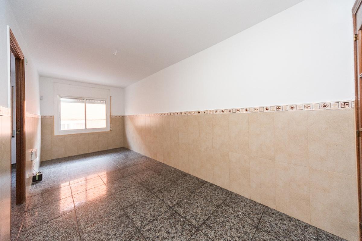 Piso en venta en Badalona, Barcelona, Calle Lepanto, 128.000 €, 3 habitaciones, 1 baño, 73 m2