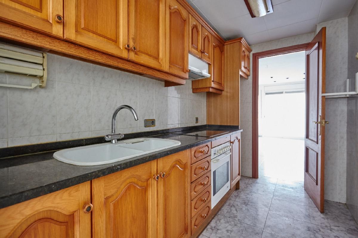Piso en venta en Sant Pere de Ribes, Barcelona, Calle Miguel de Unamuno, 106.000 €, 3 habitaciones, 1 baño, 79 m2