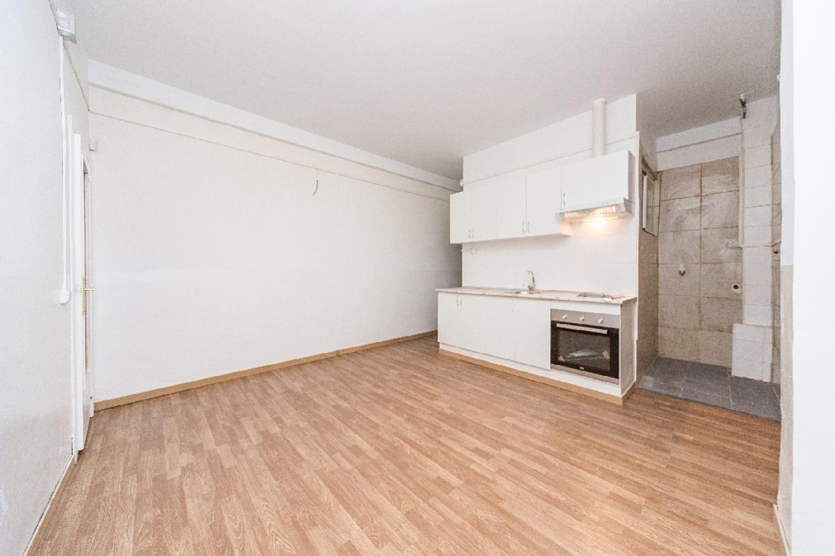 Piso en venta en Barcelona, Barcelona, Calle Natzaret, 170.000 €, 2 habitaciones, 1 baño, 65 m2