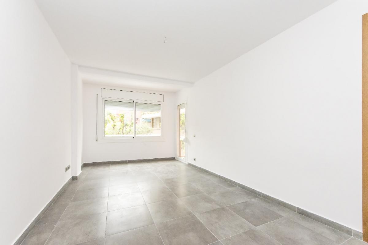Piso en venta en Rubí, Barcelona, Paseo Pau Claris, 174.000 €, 3 habitaciones, 1 baño, 72 m2
