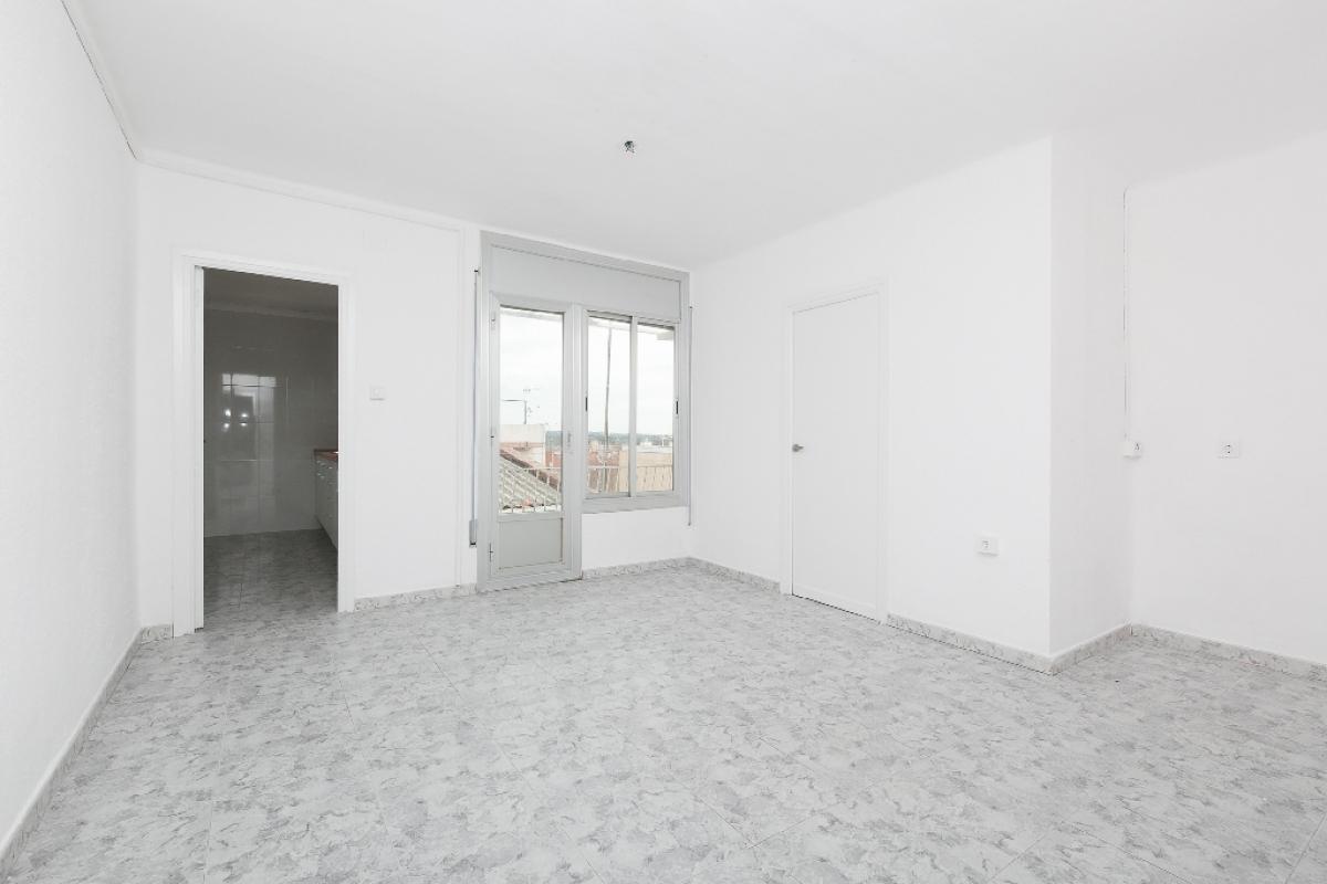 Piso en venta en Sabadell, Barcelona, Calle Priorat, 93.500 €, 1 habitación, 1 baño, 61 m2