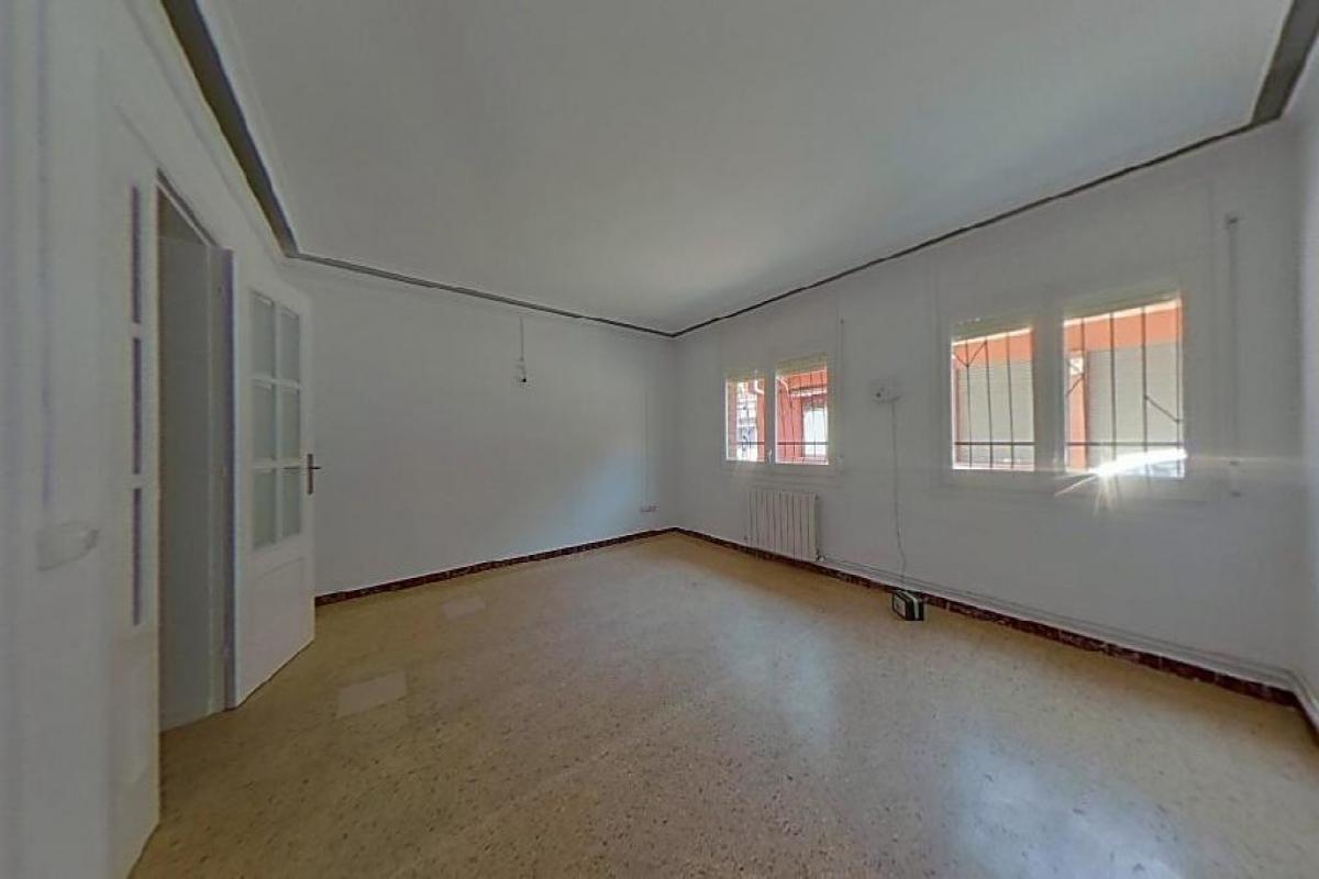 Piso en venta en Sabadell, Barcelona, Calle Ramon Jove De, 98.000 €, 2 habitaciones, 1 baño, 85 m2