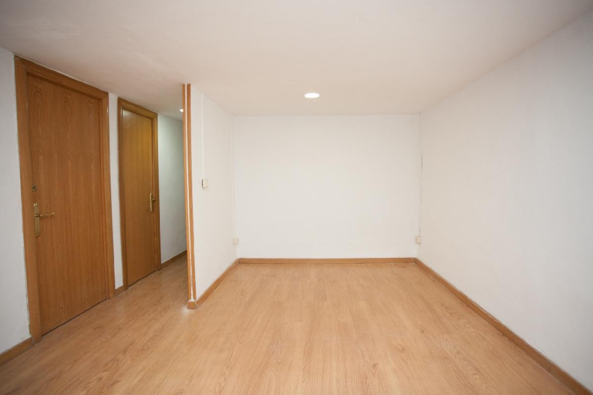 Piso en venta en Barcelona, Barcelona, Calle Reina Amalia, 185.000 €, 1 habitación, 1 baño, 49 m2