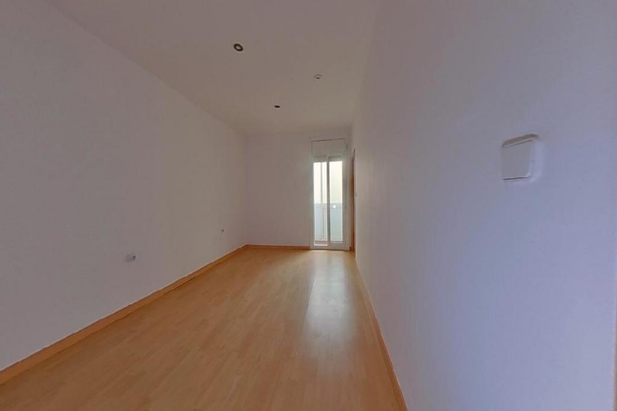 Piso en venta en Barcelona, Barcelona, Calle Rocafort, 303.000 €, 2 habitaciones, 1 baño, 50 m2