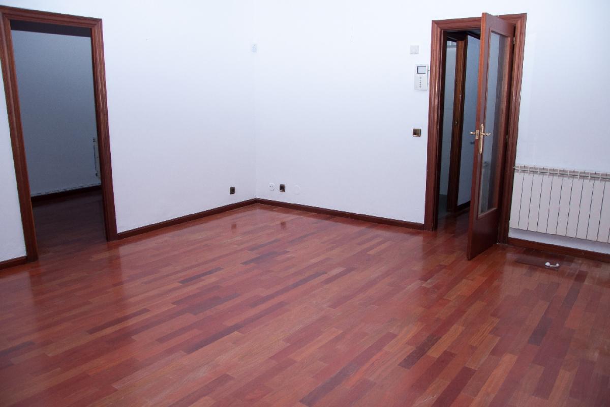 Piso en venta en Barcelona, Barcelona, Calle Rogent, 329.000 €, 3 habitaciones, 1 baño, 82 m2
