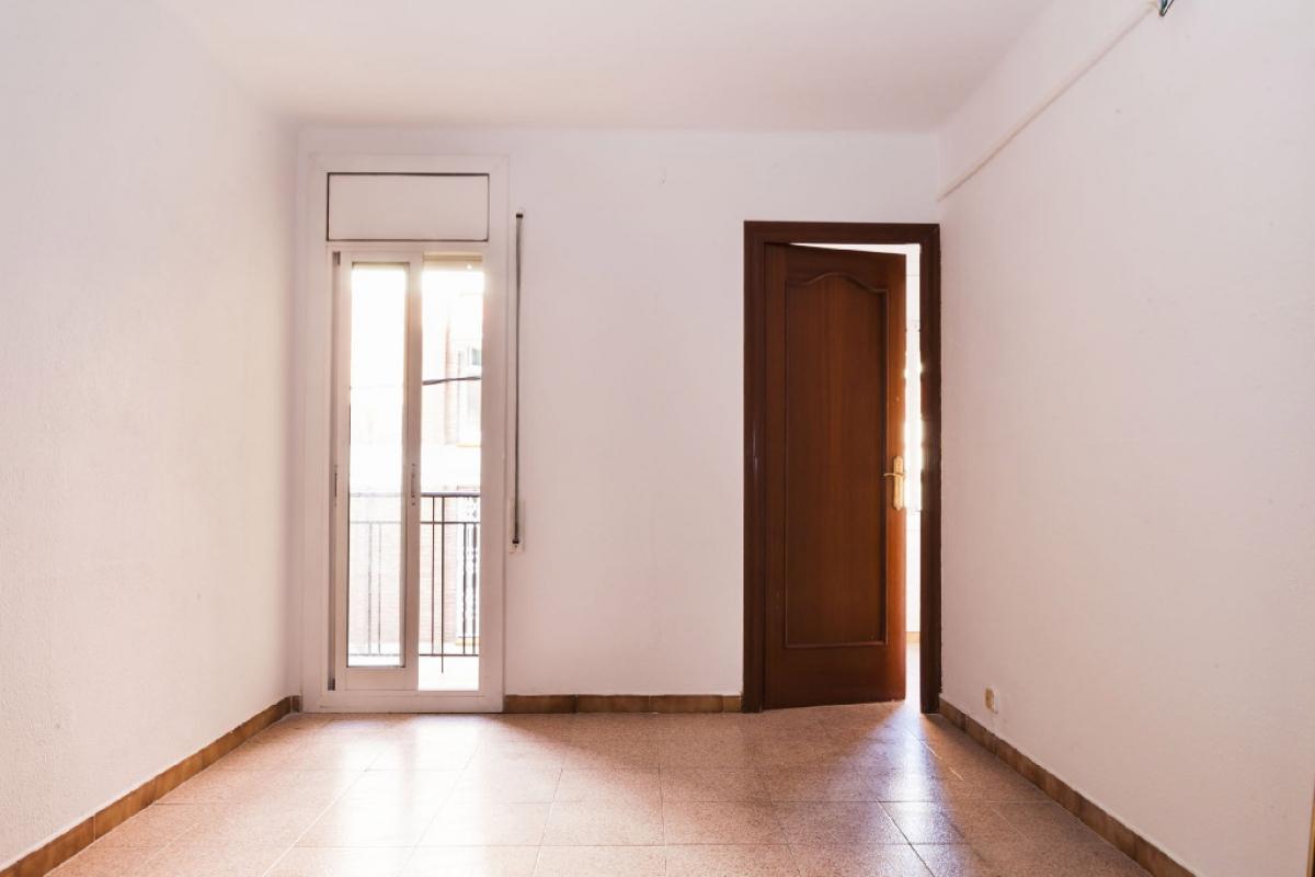 Piso en venta en Barcelona, Barcelona, Calle Tolra, 169.000 €, 3 habitaciones, 1 baño, 57 m2
