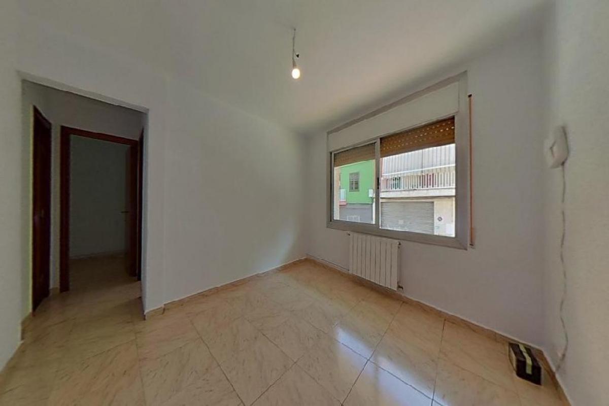 Piso en venta en Santa Coloma de Gramenet, Barcelona, Calle Torres I Bages, 119.500 €, 2 habitaciones, 1 baño, 60 m2