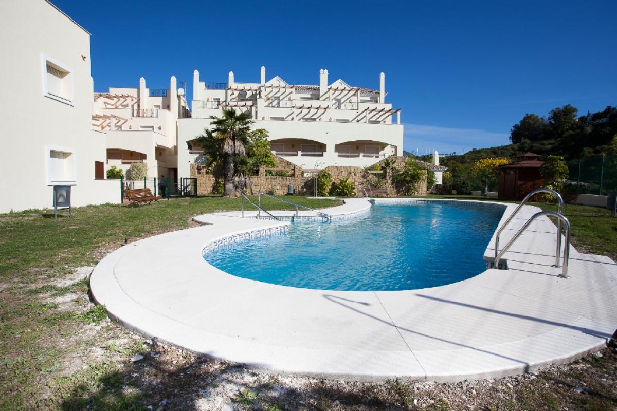 Piso en venta en Marbella, Málaga, Calle Nueva Andalucia, 330.500 €, 2 habitaciones, 2 baños, 99 m2