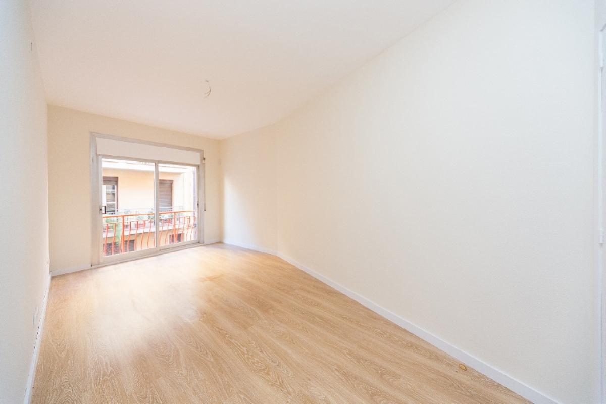 Piso en venta en Barcelona, Barcelona, Calle Santa Caterina, 388.500 €, 3 habitaciones, 2 baños, 82 m2