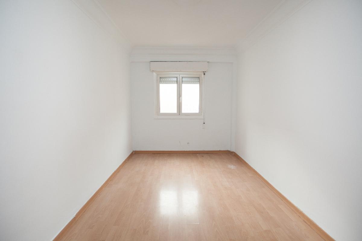Piso en venta en Zaragoza, Zaragoza, Calle Unceta, 68.000 €, 2 habitaciones, 1 baño, 52 m2