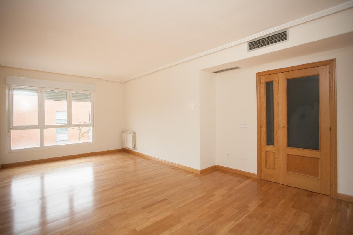 Piso en venta en San Sebastián de los Reyes, Madrid, Avenida Coruña, 391.000 €, 5 habitaciones, 2 baños, 128 m2
