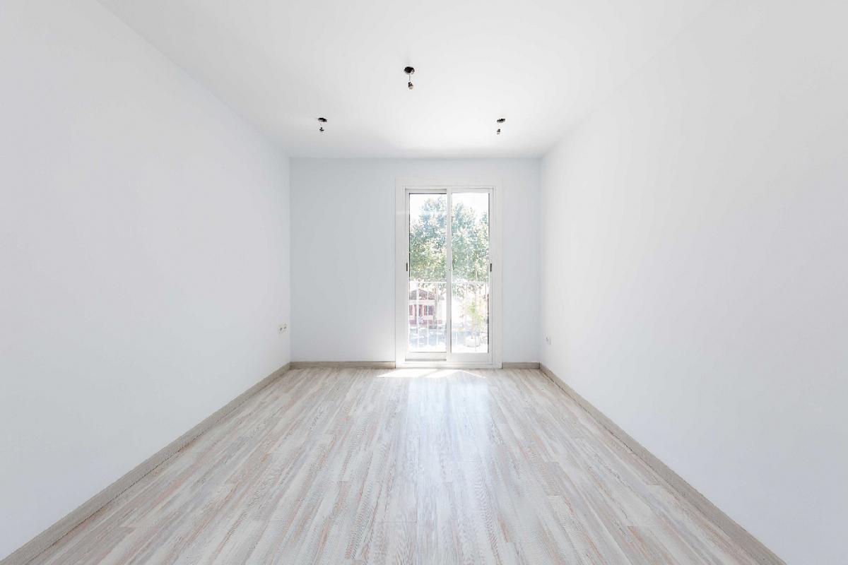 Piso en venta en Barcelona, Barcelona, Calle Tarrega, 136.500 €, 3 habitaciones, 1 baño, 51 m2