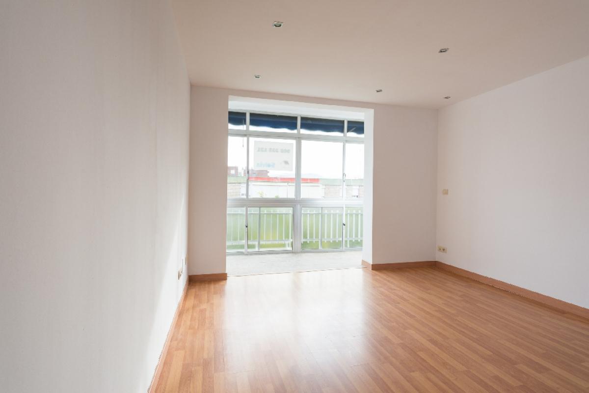 Piso en venta en Málaga, Málaga, Avenida Gregorio Diego, 129.000 €, 2 habitaciones, 1 baño, 66 m2