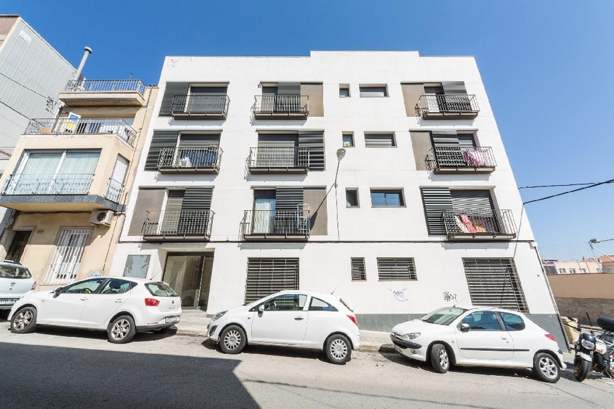 Piso en venta en Terrassa, Barcelona, Calle San Sebastián, 167.500 €, 1 habitación, 2 baños, 66 m2