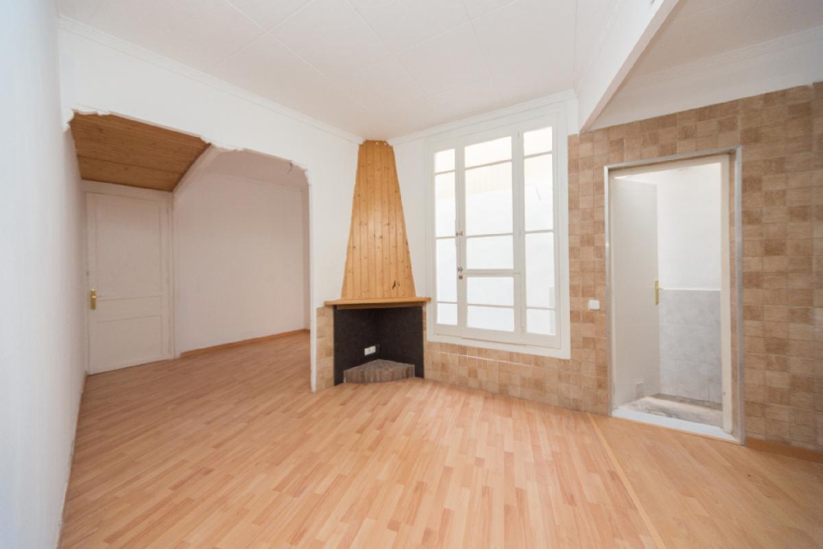 Piso en venta en Barcelona, Barcelona, Calle Sagunt, 173.500 €, 1 habitación, 1 baño, 48 m2