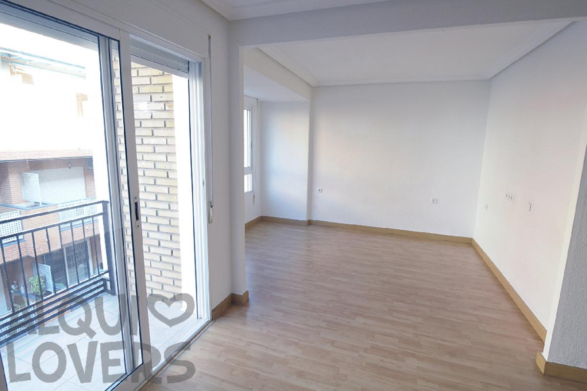 Piso en venta en Cartagena, Murcia, Calle Canigo, 73.000 €, 3 habitaciones, 1 baño, 101 m2