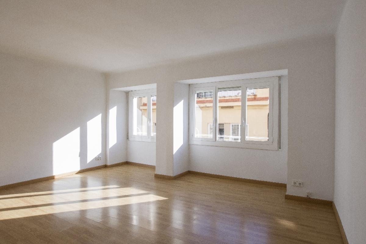 Piso en venta en Reus, Tarragona, Calle Sarda, 76.500 €, 2 habitaciones, 1 baño, 76 m2