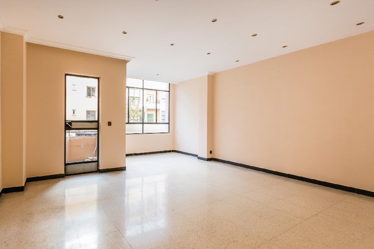 Piso en venta en Palma de Mallorca, Baleares, Calle Gabriel Llabres, 190.500 €, 2 habitaciones, 1 baño, 115 m2