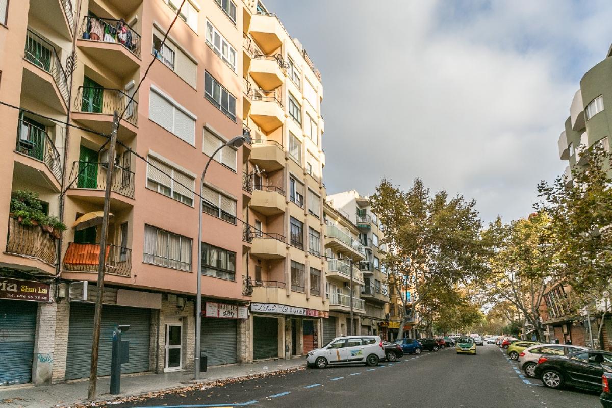 Piso en venta en Piso en Palma de Mallorca, Baleares, 171.000 €, 2 habitaciones, 1 baño, 115 m2