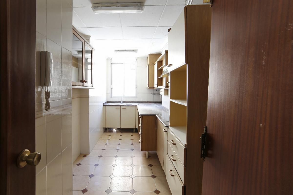 Piso en venta en Valencia, Valencia, Calle Jose Maria Haro, 205.000 €, 4 habitaciones, 2 baños, 103 m2