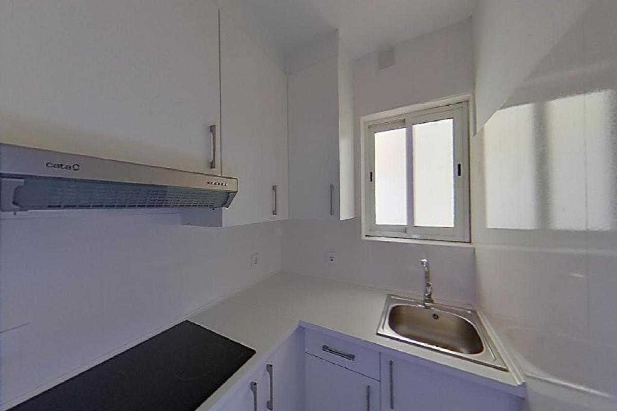 Piso en venta en Barcelona, Barcelona, Calle Enric Casanovas, 182.000 €, 2 habitaciones, 1 baño, 65 m2