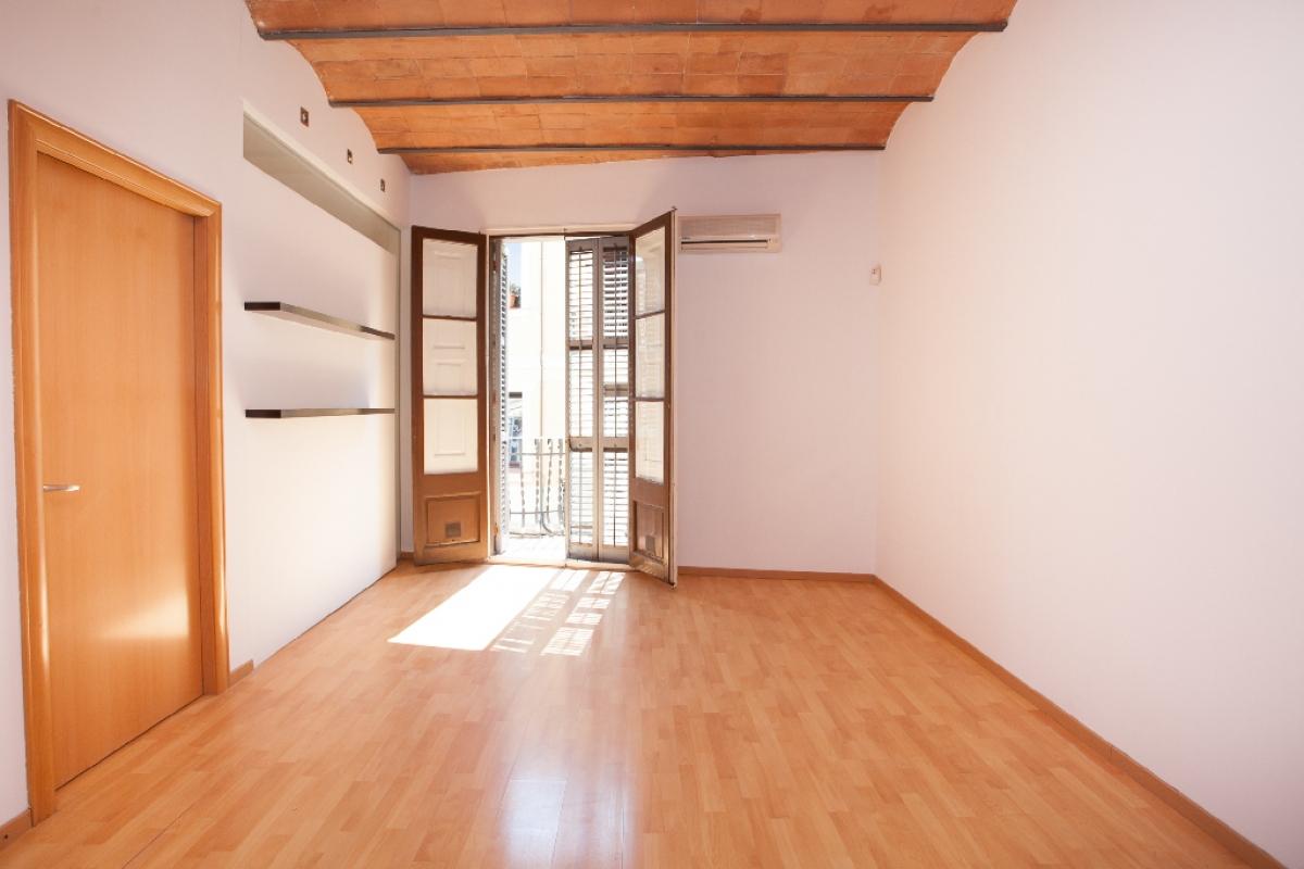 Piso en venta en Barcelona, Barcelona, Calle Alcolea, 244.000 €, 2 habitaciones, 2 baños, 53 m2