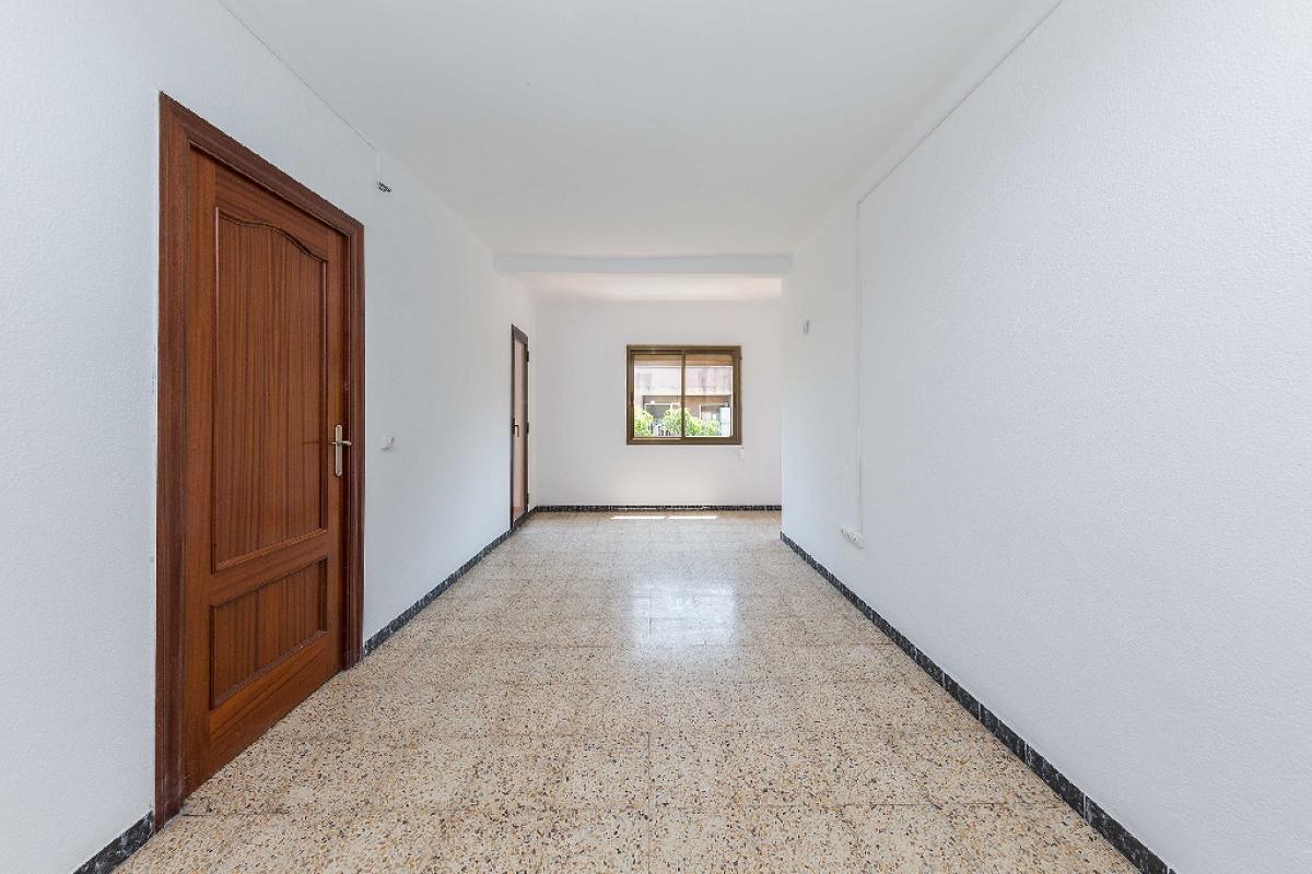 Piso en venta en Barcelona, Barcelona, Calle Mina de la Ciutat, 173.500 €, 3 habitaciones, 1 baño, 83 m2