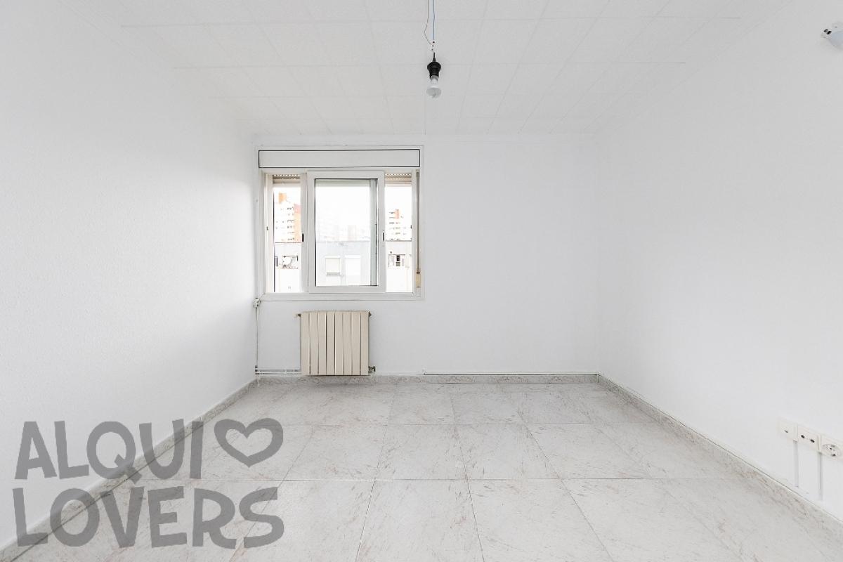 Piso en venta en Barcelona, Barcelona, Calle Les Agudes, 119.500 €, 2 habitaciones, 1 baño, 60 m2