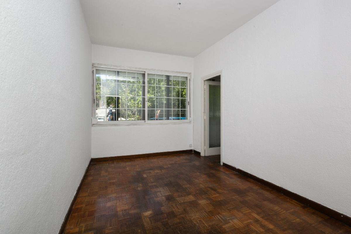 Piso en venta en Barcelona, Barcelona, Calle Granvia de Les Corts Catalanes, 270.000 €, 2 habitaciones, 1 baño, 62 m2
