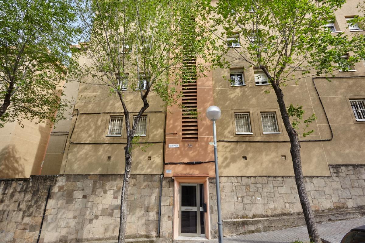 Piso en venta en Barcelona, Barcelona, Calle Aiguablava, 121.500 €, 2 habitaciones, 1 baño, 50 m2