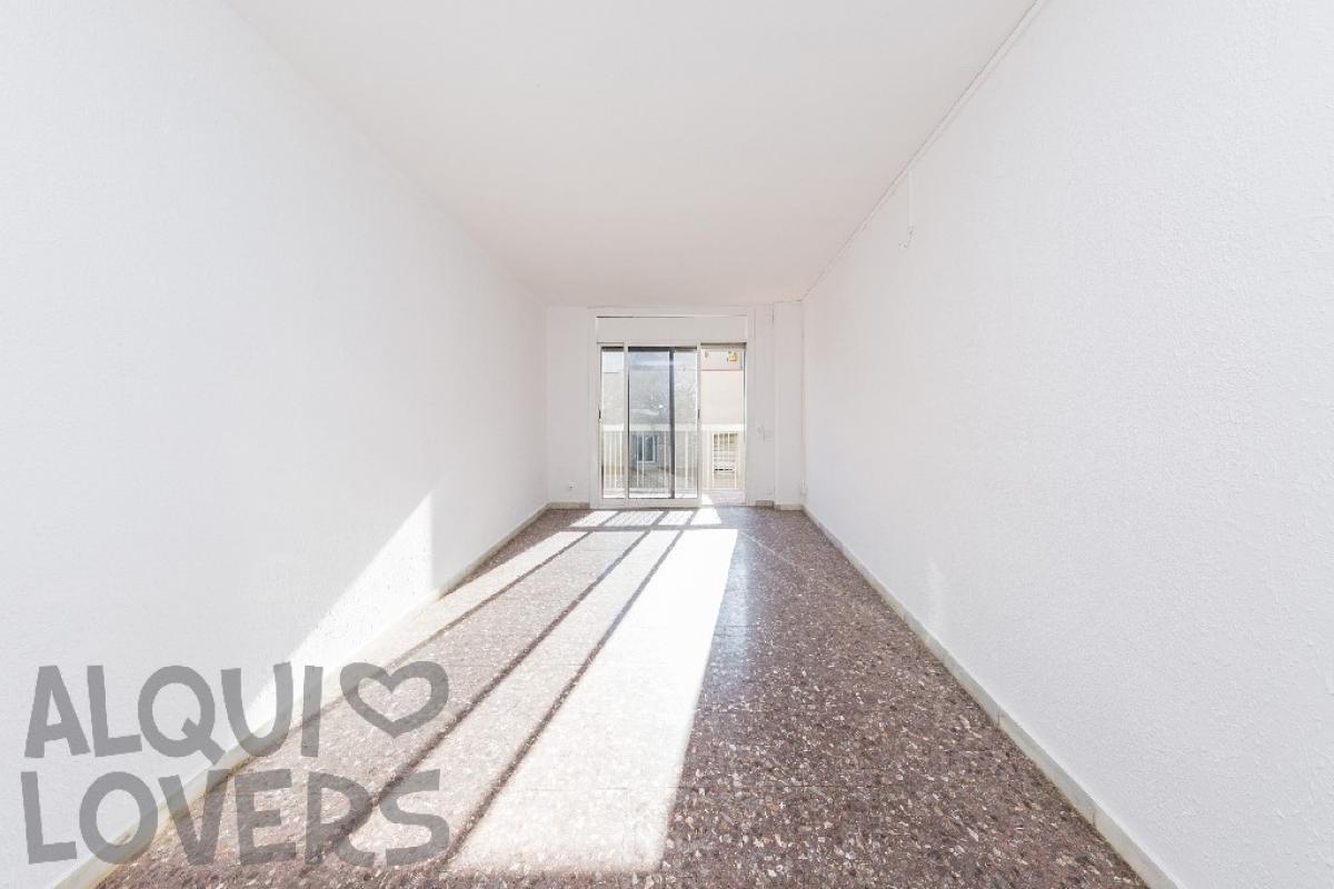 Piso en venta en Barcelona, Barcelona, Calle Artesania, 153.000 €, 2 habitaciones, 1 baño, 70 m2