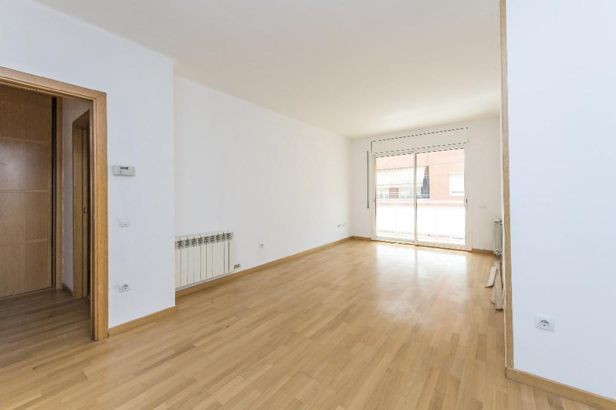 Piso en venta en Viladecans, Barcelona, Calle Canonge Dr. Auguet, 306.000 €, 4 habitaciones, 2 baños, 122 m2