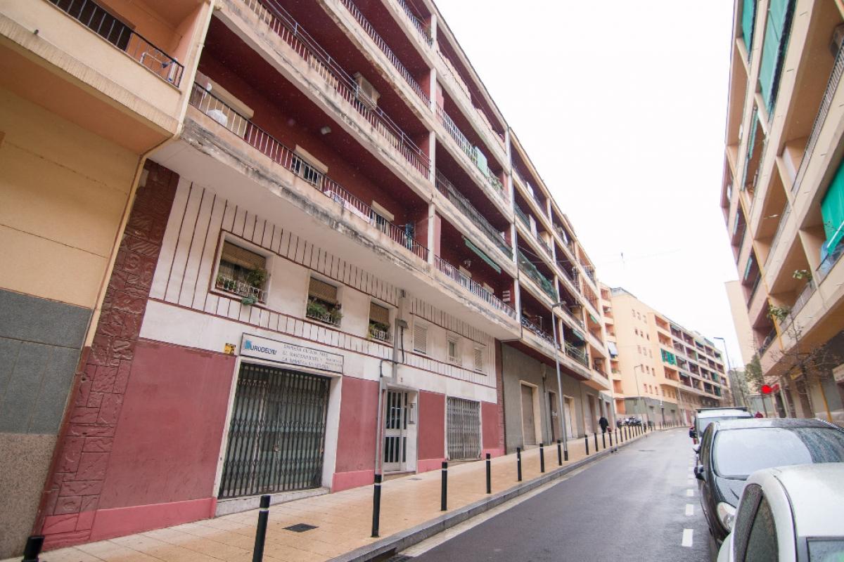 Piso en venta en Barcelona, Barcelona, Calle Vall D`ordesa, 209.000 €, 3 habitaciones, 1 baño, 68 m2