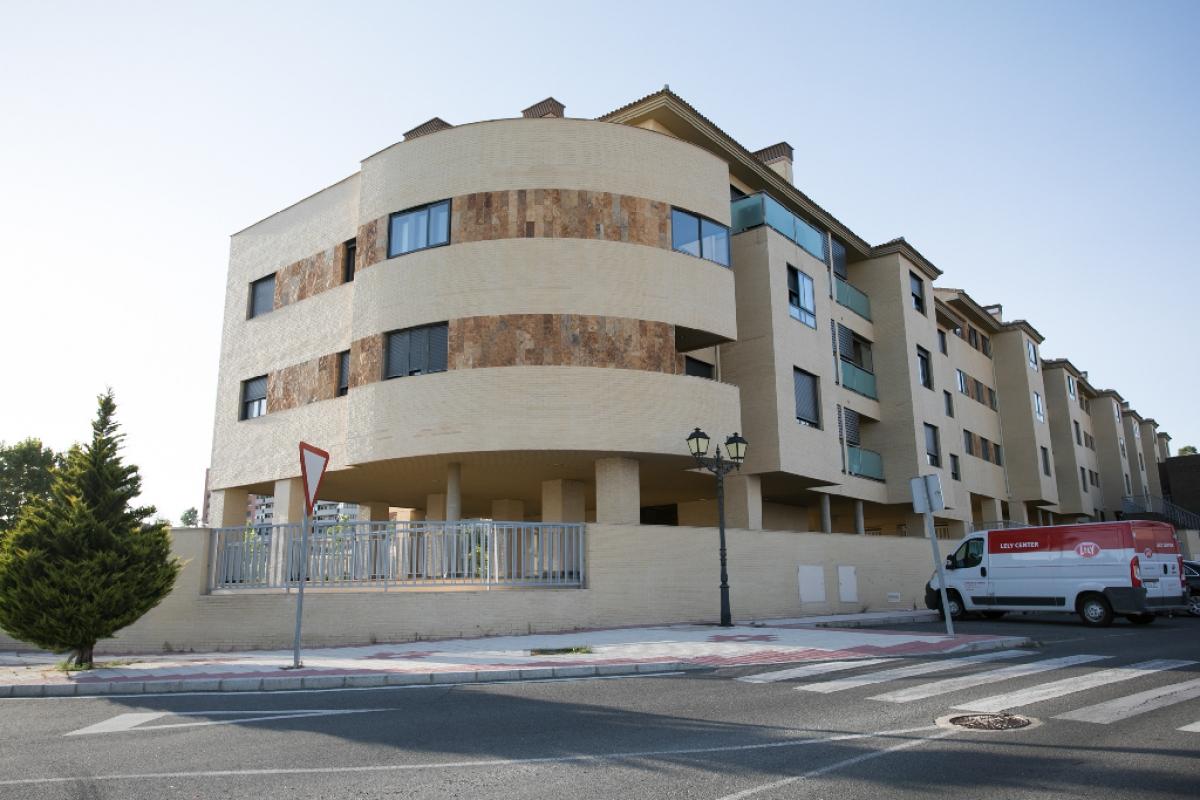 Piso en venta en Ávila, Ávila, Calle Historiador Antonio Cabezon, 102.500 €, 3 habitaciones, 2 baños, 95 m2