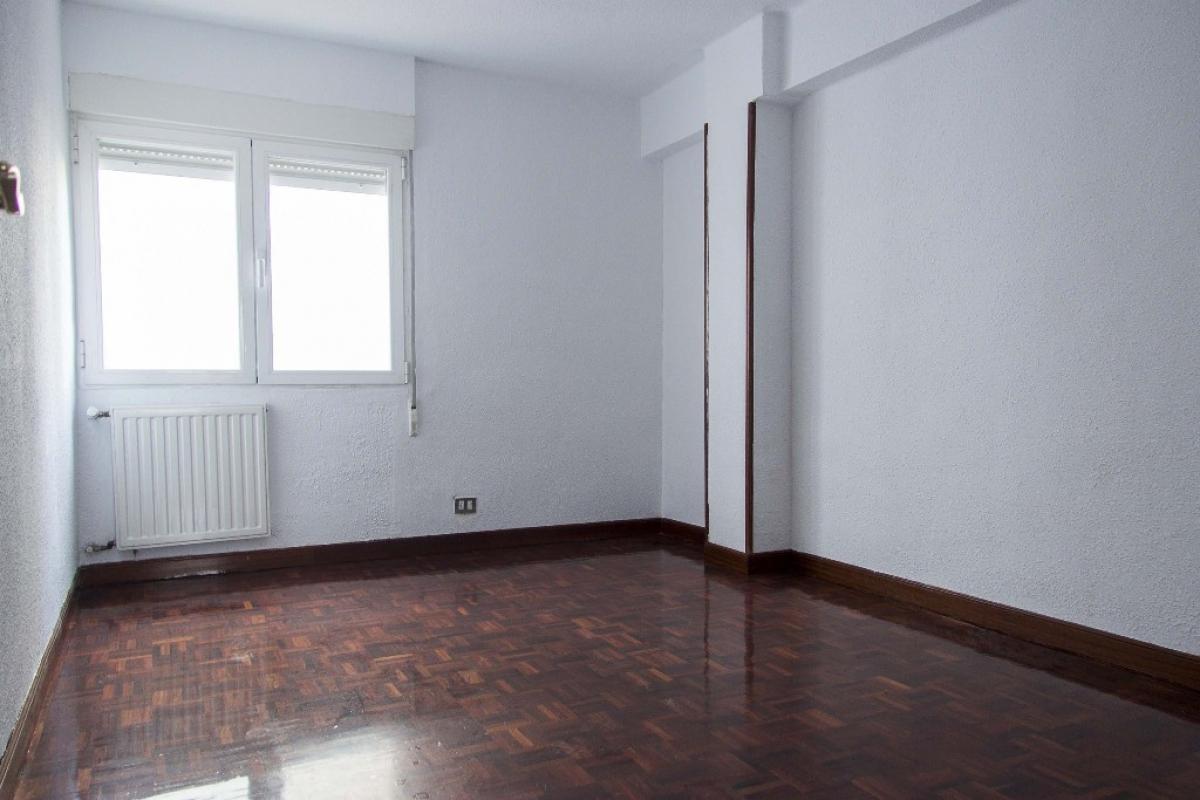 Piso en venta en Burgos, Burgos, Calle Francisco Grandmontagne, 84.500 €, 3 habitaciones, 1 baño, 70 m2