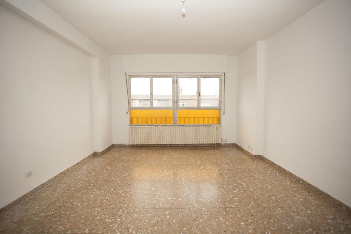 Piso en venta en Zaragoza, Zaragoza, Avenida Via de la Hispanidad, 205.500 €, 4 habitaciones, 2 baños, 115 m2