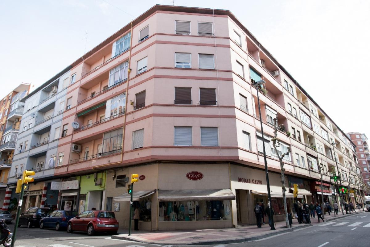 Piso en venta en Zaragoza, Zaragoza, Calle Pedro Alfonso, 107.500 €, 3 habitaciones, 1 baño, 78 m2