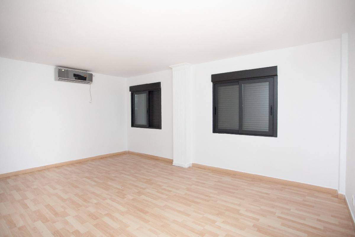 Piso en venta en Zaragoza, Zaragoza, Calle Monasterio de Solesmes, 86.500 €, 2 habitaciones, 1 baño, 64 m2
