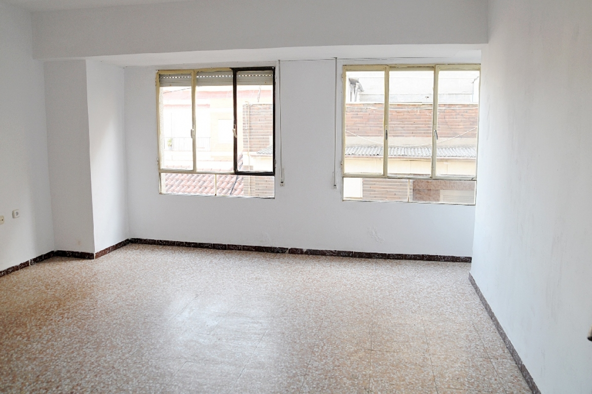 Piso en venta en Alcantarilla, Murcia, Calle Moreno, 61.500 €, 3 habitaciones, 1 baño, 116 m2