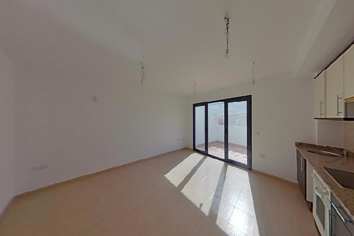 Piso en venta en La Vega, Arrecife, Las Palmas, Calle Coronel Benz, 102.500 €, 2 habitaciones, 62 m2