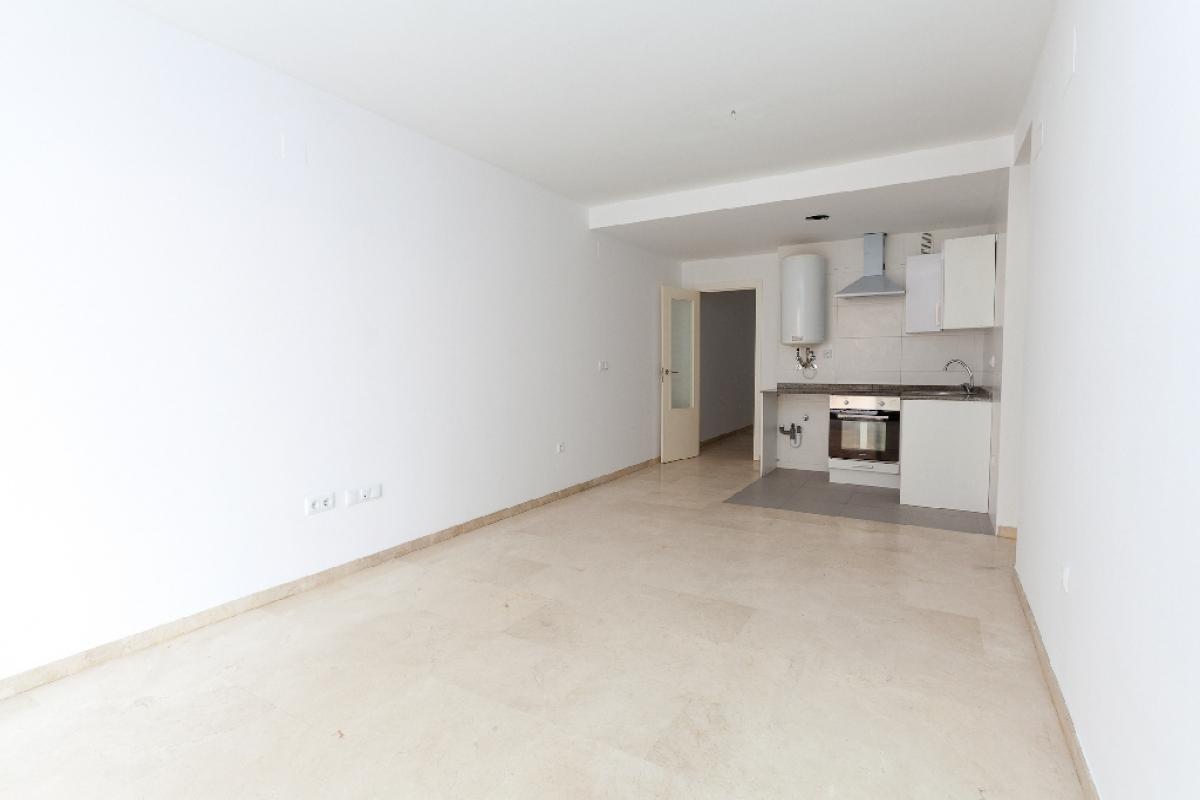 Piso en venta en Benidorm, Alicante, Calle Florida, 122.000 €, 2 habitaciones, 1 baño, 82 m2