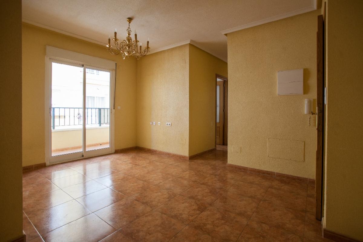 Piso en venta en Urbanización Calas Blancas, Torrevieja, Alicante, Calle El Turco, 77.000 €, 2 habitaciones, 1 baño, 70 m2