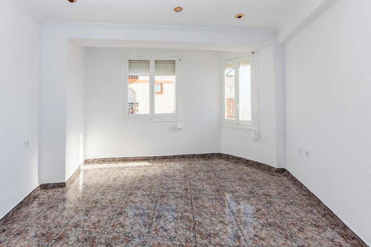 Piso en venta en Crevillent, Alicante, Calle Vaiona, 23.500 €, 3 habitaciones, 1 baño, 71 m2