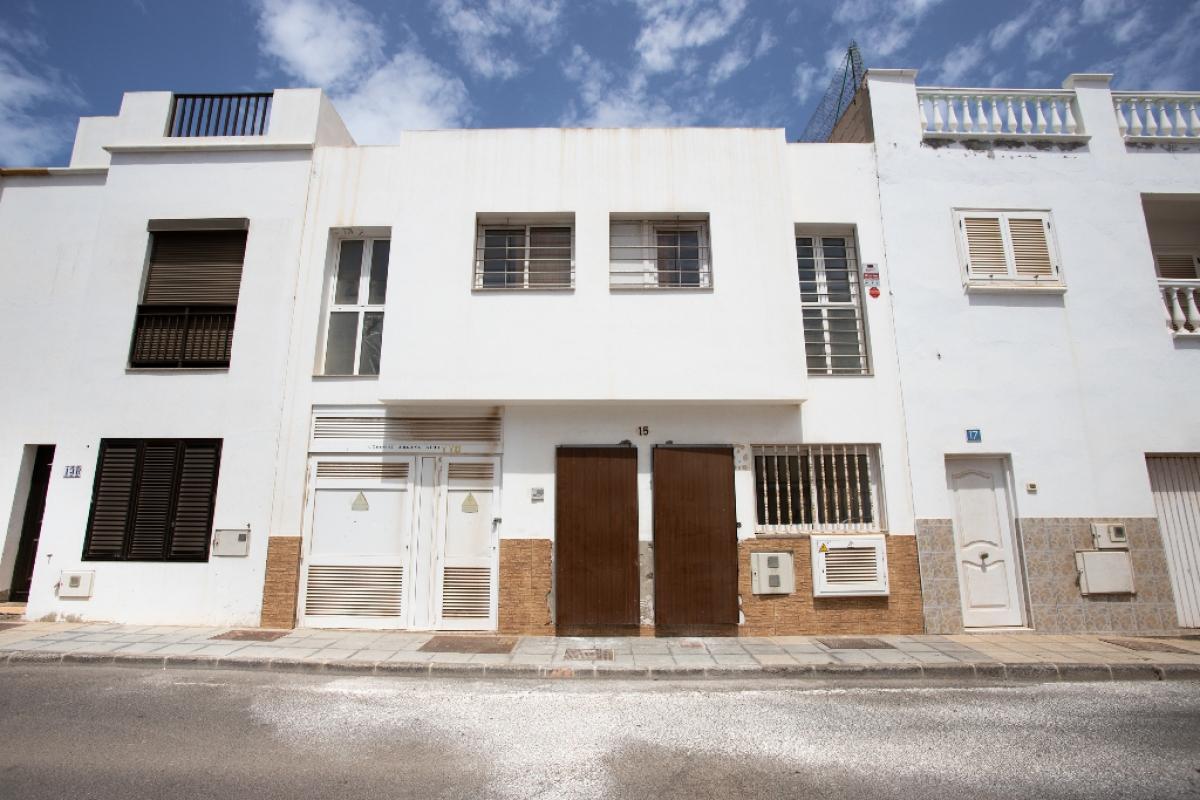 Piso en venta en Arrecife, Las Palmas, Calle Cribo, 67.000 €, 2 habitaciones, 63 m2
