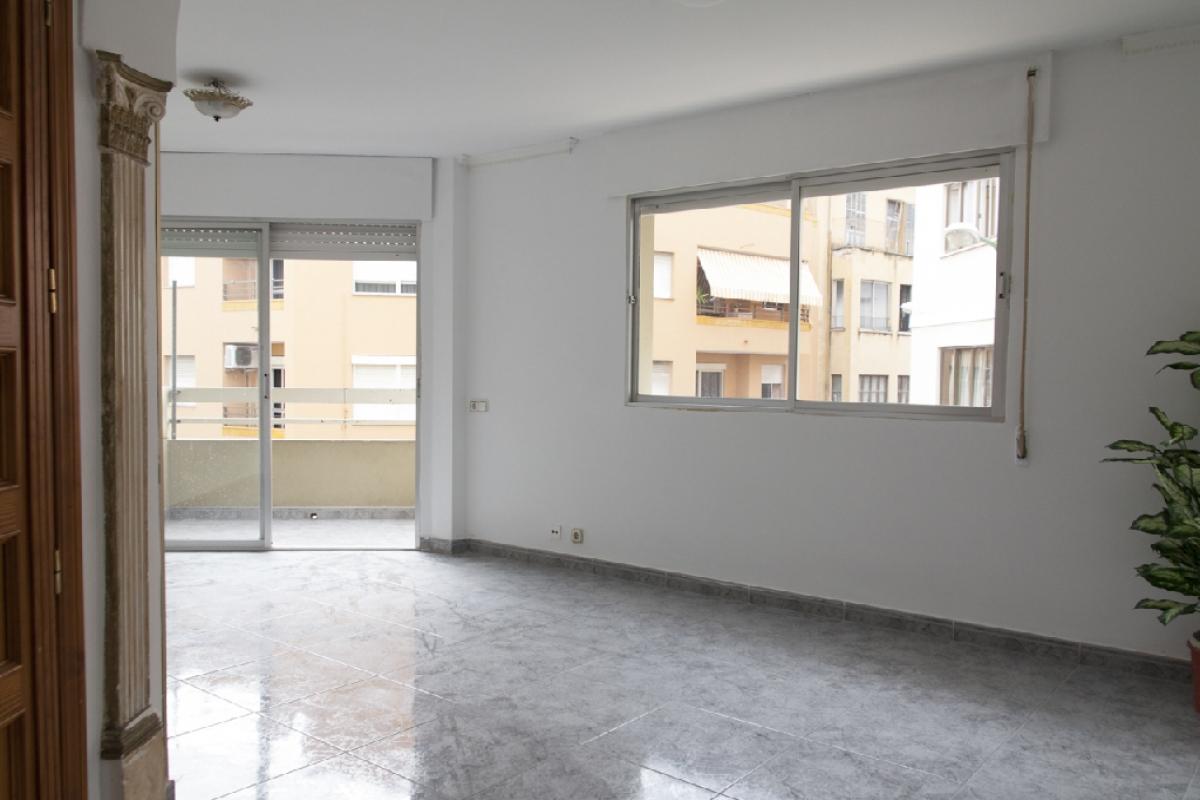 Piso en venta en Palma de Mallorca, Baleares, Calle Son Pontivic, 218.000 €, 3 habitaciones, 2 baños, 87 m2