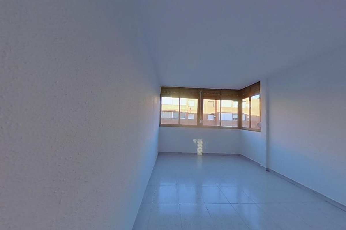 Piso en venta en Santa Perpètua de Mogoda, Barcelona, Calle Eugeni D`ors, 103.000 €, 3 habitaciones, 1 baño, 74 m2