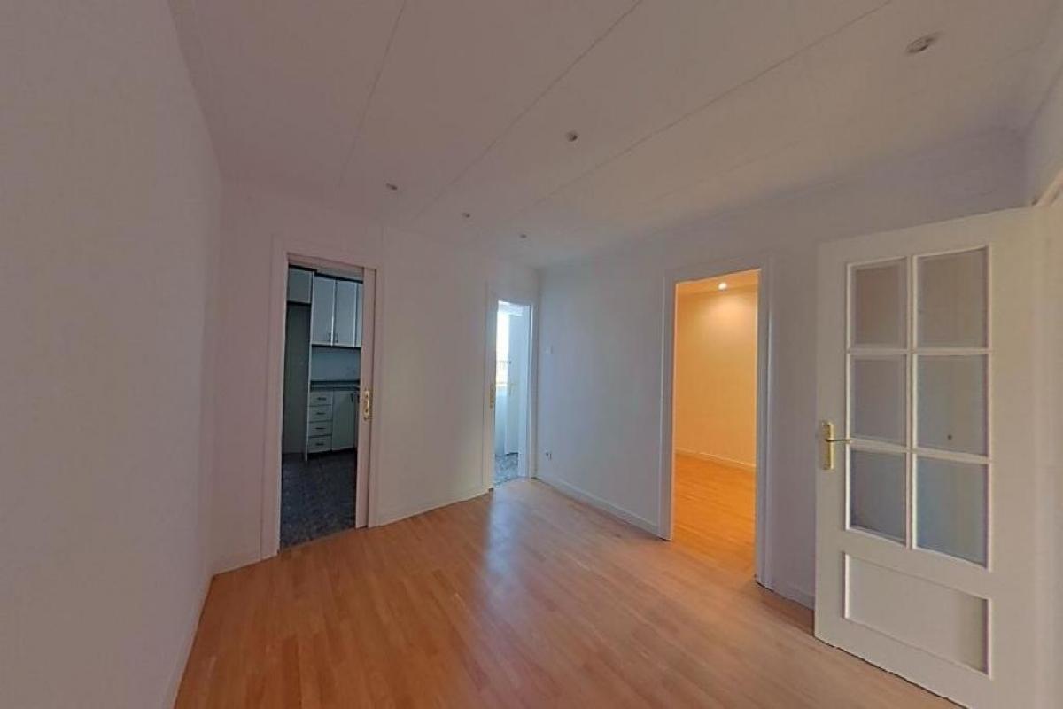 Piso en venta en Barcelona, Barcelona, Calle Baltasar Gracian, 167.000 €, 3 habitaciones, 1 baño, 62 m2