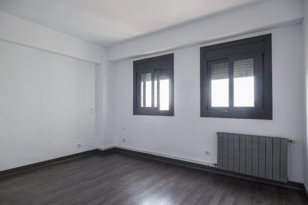 Piso en venta en Molins de Rei, Barcelona, Avenida Valencia, 283.000 €, 2 habitaciones, 1 baño, 88 m2